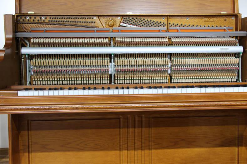 英昌钢琴UC118 5.jpg